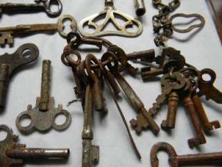Antique Vintage Lot of 90 Skeleton Key clock Large Small Padlock Yale