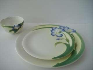 GALLANT CRAFT PORCELAIN IRIS DINNER PLATES S/4