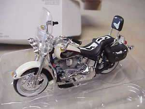 Maisto Harley Davidson 1993 Heritage Softail Motorcycle