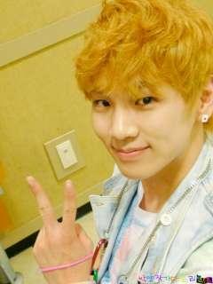 Korean Singer KPOP SHINEE Shiny KEY Style Card Earrings
