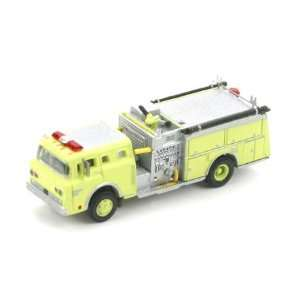 N RTR Ford C Fire Truck, Safety Green ATH10278 Toys