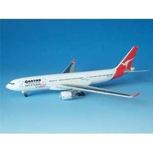 Dragon Wings 1:400 Qantas A330 200 Model Airplane