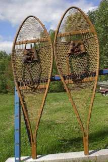 VINTAGE OLD Snowshoes 42x14 Snow Shoes ANTIQUE