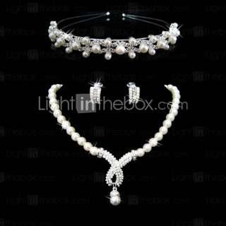 joyas de imitación de perlas, incluyendo collares, aretes y diadema