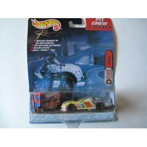 Hot Wheels Racing Pit Crew Collector Edition Nascar Deluxe